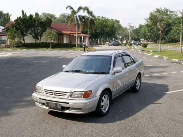 Mobil Sedan Bekas Toyota Soluna