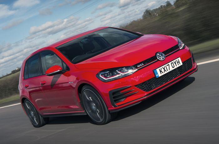 VW Golf mobil bermesin turbo terbaik